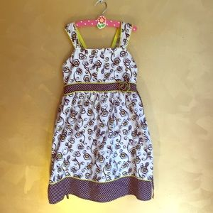 Cute summer dress 🐝